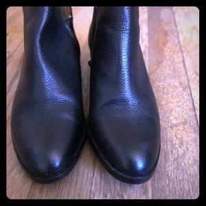 Splendid black lather bootie shoes